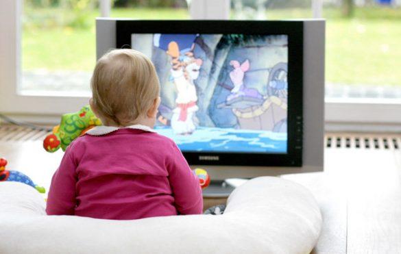 تماشای تلویزیون کودکان