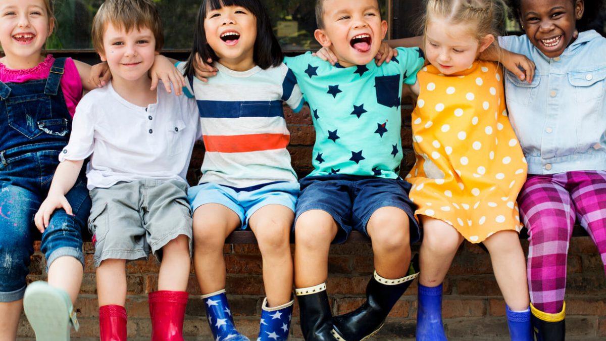 اهمیت دوست یابی برای کودکان
